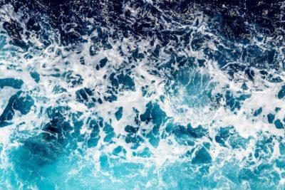 agua de mar embotellada