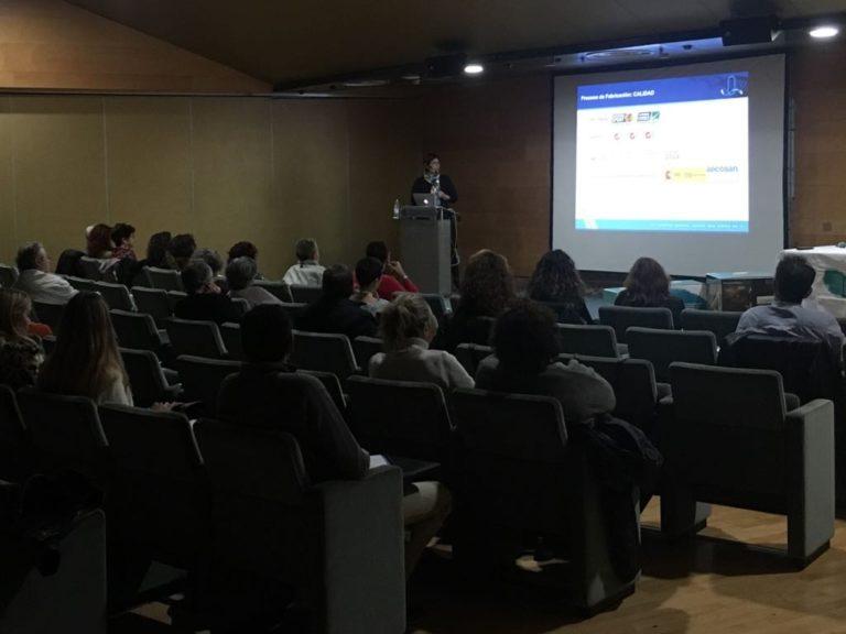 María Pellín en el Seminario de terapia marina de Granada