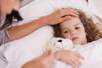 Fiebre alta en niños: cuánto es, causas y cómo tratarla