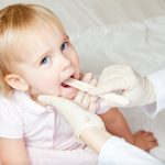 Síntomas y tratamientos comunes de la laringitis en bebés